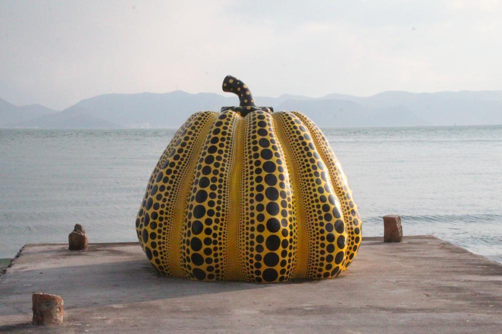 直島 かぼちゃ 草間彌生 島 香川