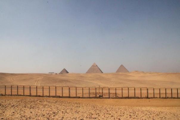 ギザ ルクソール エジプト ピラミッド